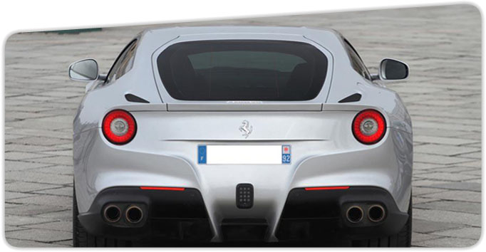 location-voiture-ferrari-berlinetta-f12